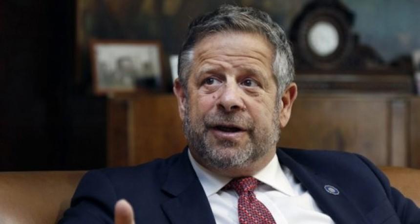Renunció Rubinstein tras la derogación del protocolo