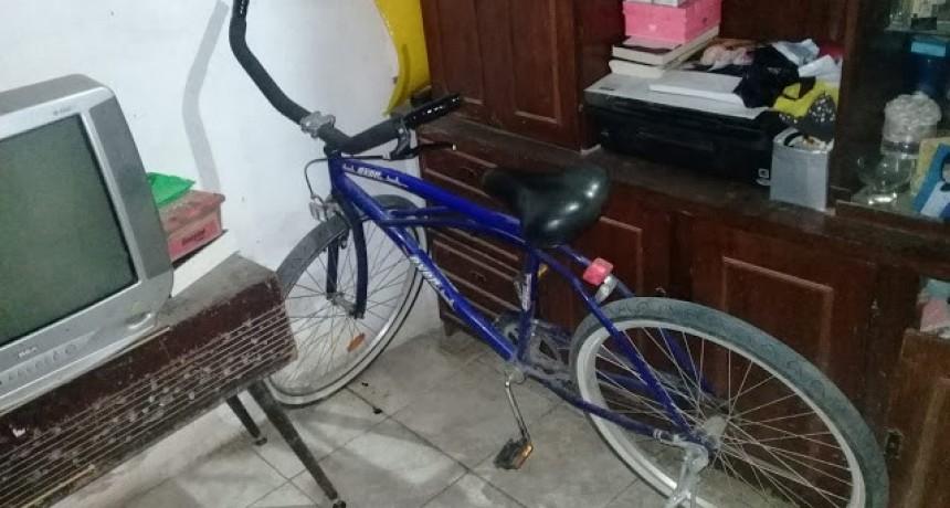 Abandono bicicleta luego de robarla
