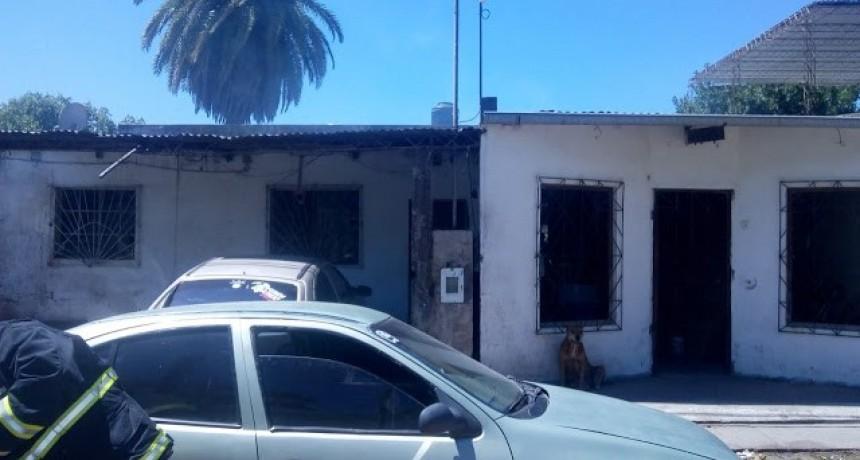 Incendio , accionar de Policía y Bomberos , reciben agresiones