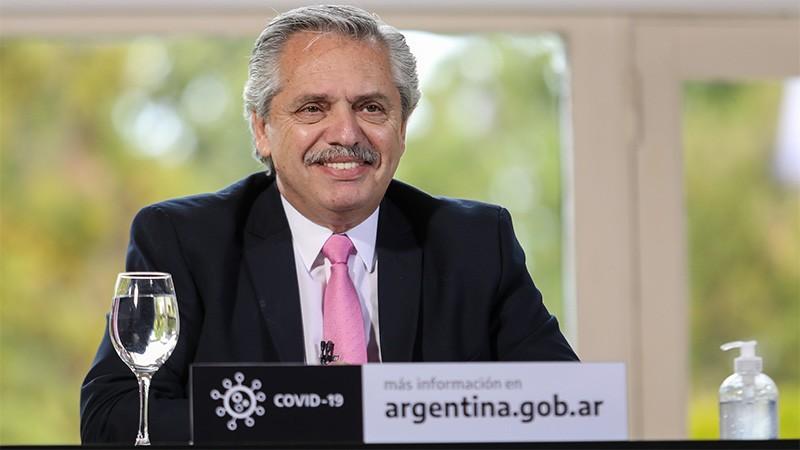 Covid: Argentina recibiría 25 millones de dosis de vacuna rusa, dijo Fernández