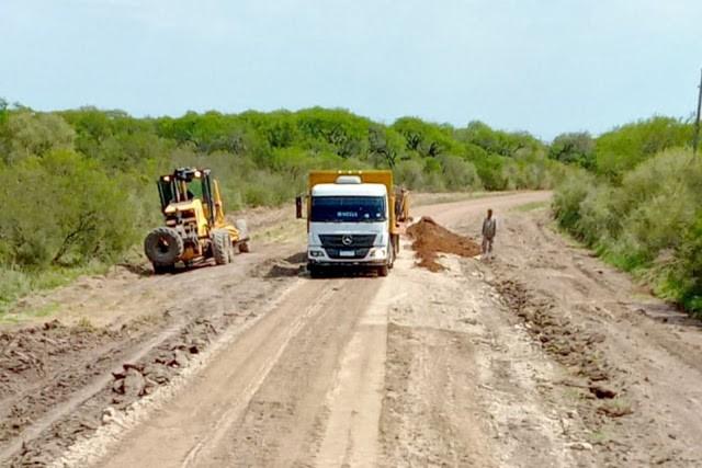 La Dirección Provincial de Vialidad (DPV), trabajó en la recuperación del ingreso a Colonia San Lorenzo desde la RN Nº127,
