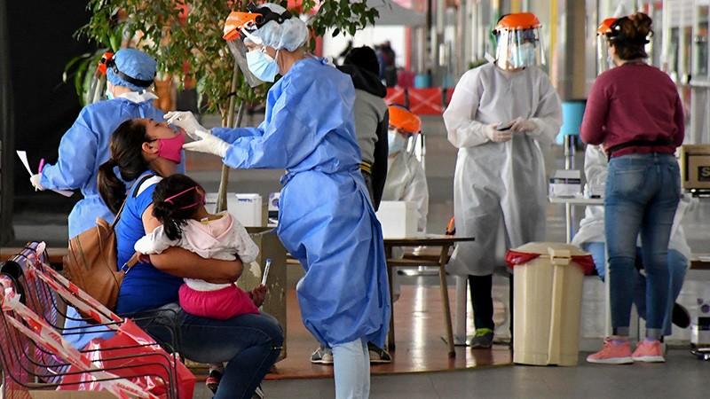 Otras 213 personas murieron y 8.037 fueron diagnosticadas con Covid19 en el país