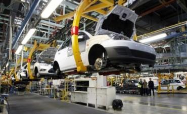 El Gobierno decidió aplicar una millonaria multa a ocho empresas automotrices
