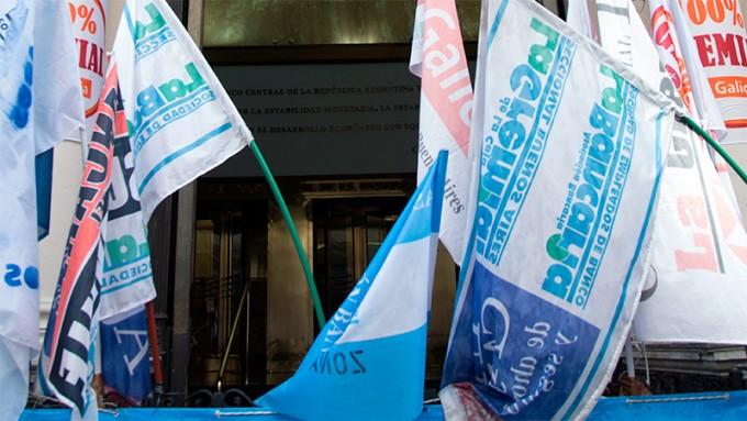 Trabajo dictó la conciliación obligatoria en el conflicto de los bancarios