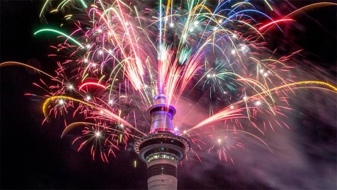 El mundo comienza a darle la bienvenida al 2017