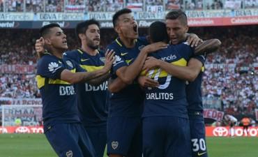 De la mano de Tevez, Boca lo dió vuelta y se llevó el Superclásico en el Monumental