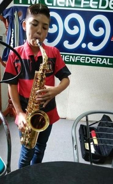 Alumno de la escuela de música de Federal sonó por Fm 100 Federal.