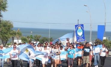 Submarino ARA San Juan: quedan tres buques rastrillando y las familias piden que no cese la búsqueda