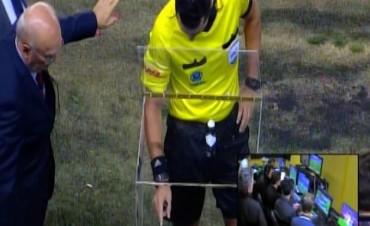 La Superliga estudia implementar el polémico VAR a partir del próximo año
