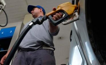 Para enero se prevé un nuevo aumento en las naftas