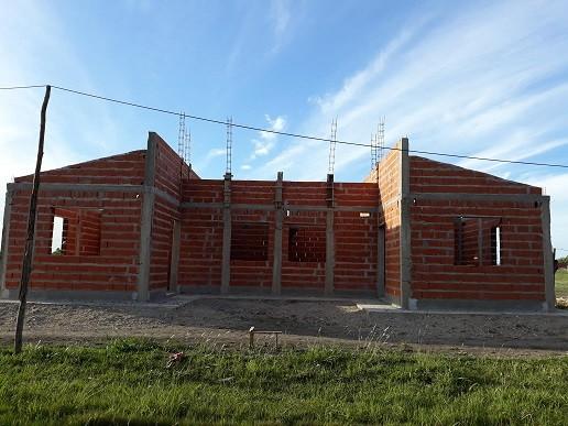 Se estan construyendo 15 viviendas en Conscripto Bernardi con fondos provinciales en el marco del programa provincial de viviendas Primero tu Casa.