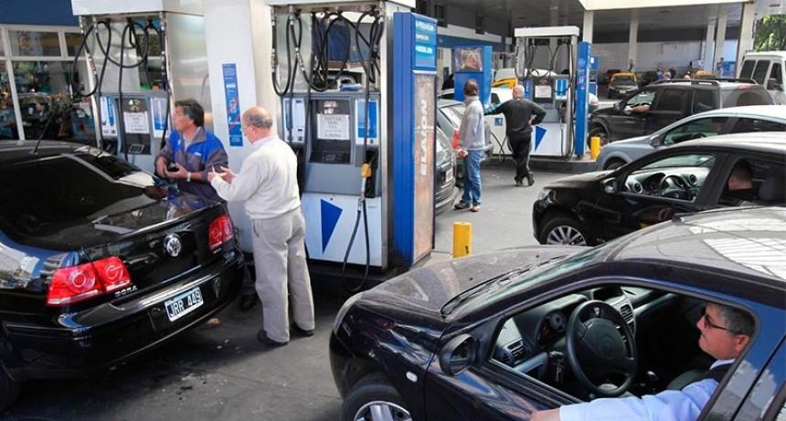 YPF baja las naftas a partir de este lunes, pero aumenta el gasoil