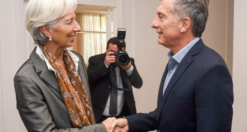 El Gobierno y el FMI acordaron intensificar los tarifazos y ajustar los salarios públicos en 2019
