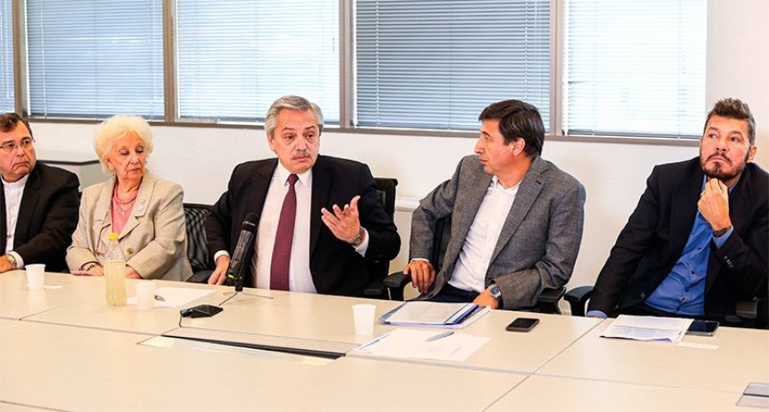 Fernández prepara un plan de trabajo popular para 4 millones de personas