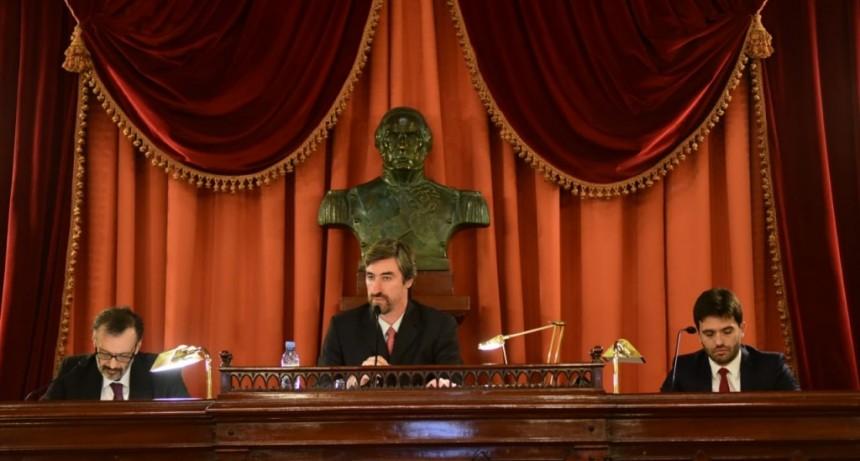 Juraron los nuevos diputados provinciales y Ángel Giano fue designado presidente del cuerpo
