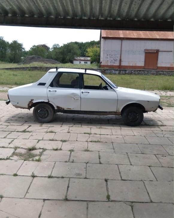 Se  procedió al secuestro de un automóvil, marca Renault 12