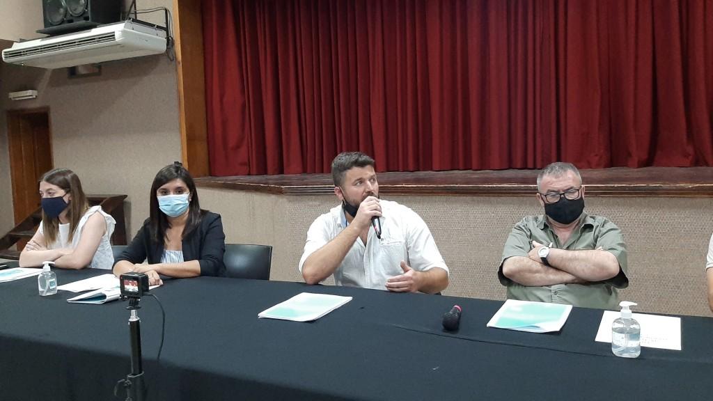 Gerardo Chapino presentó la temporada de verano en Federal