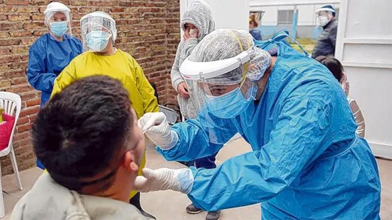 En Argentina reportaron 138 muertes y 3278 nuevos contagios de covid-19