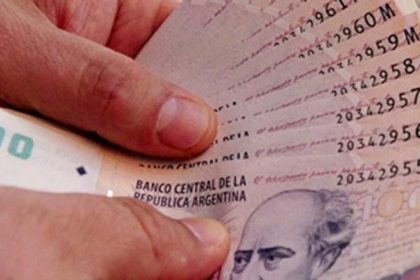 Ponen fecha al pago del bono de 9.450 pesos