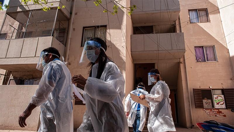 Reportaron 165 muertes y 6981 contagios de covid-19 en Argentina