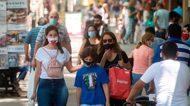 Argentina reportó 169 muertes y 7326 nuevos contagios de covid-19