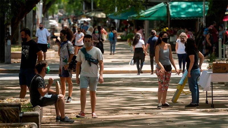 Reportaron 138 muertes y 7002 casos de covid-19 en Argentina