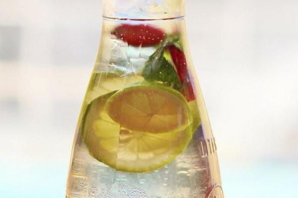 Bebidas para desintoxicar el hígado después de las Fiestas